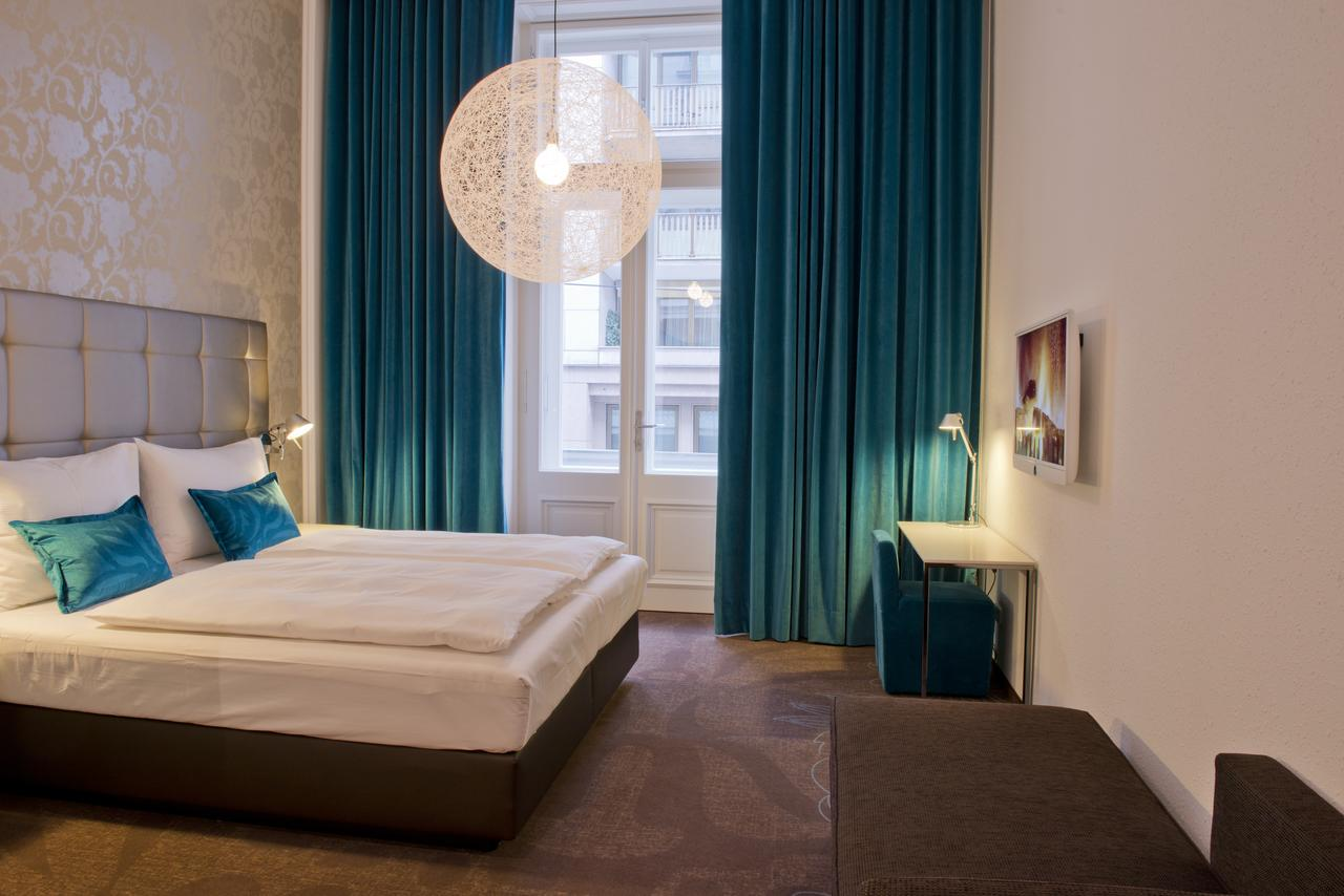 Hotel Motel One Wien-Staatsoper for EADV 2020