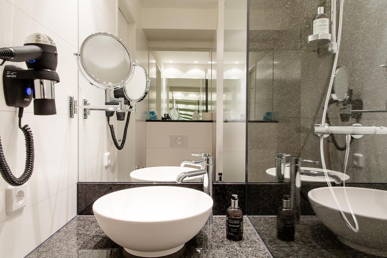 Hotel Motel One Wien-Staatsoper for EADV 2021
