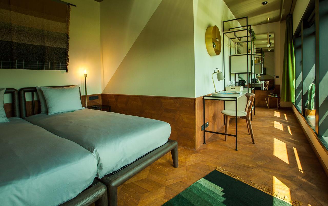 Hotel V Fizeaustraat Amsterdam for UEGW 2020