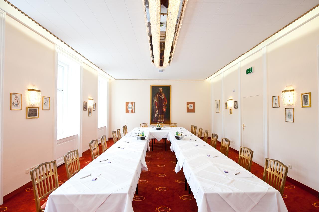 Hotel Regina Vienna for ESO-WSO 2020