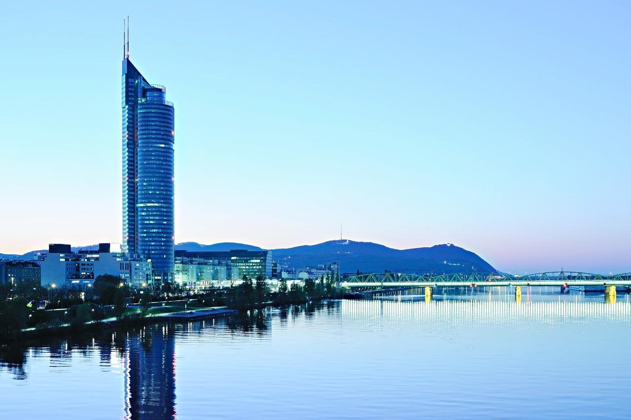 Harry's Home Wien Millennium Tower for ECCMID 2021